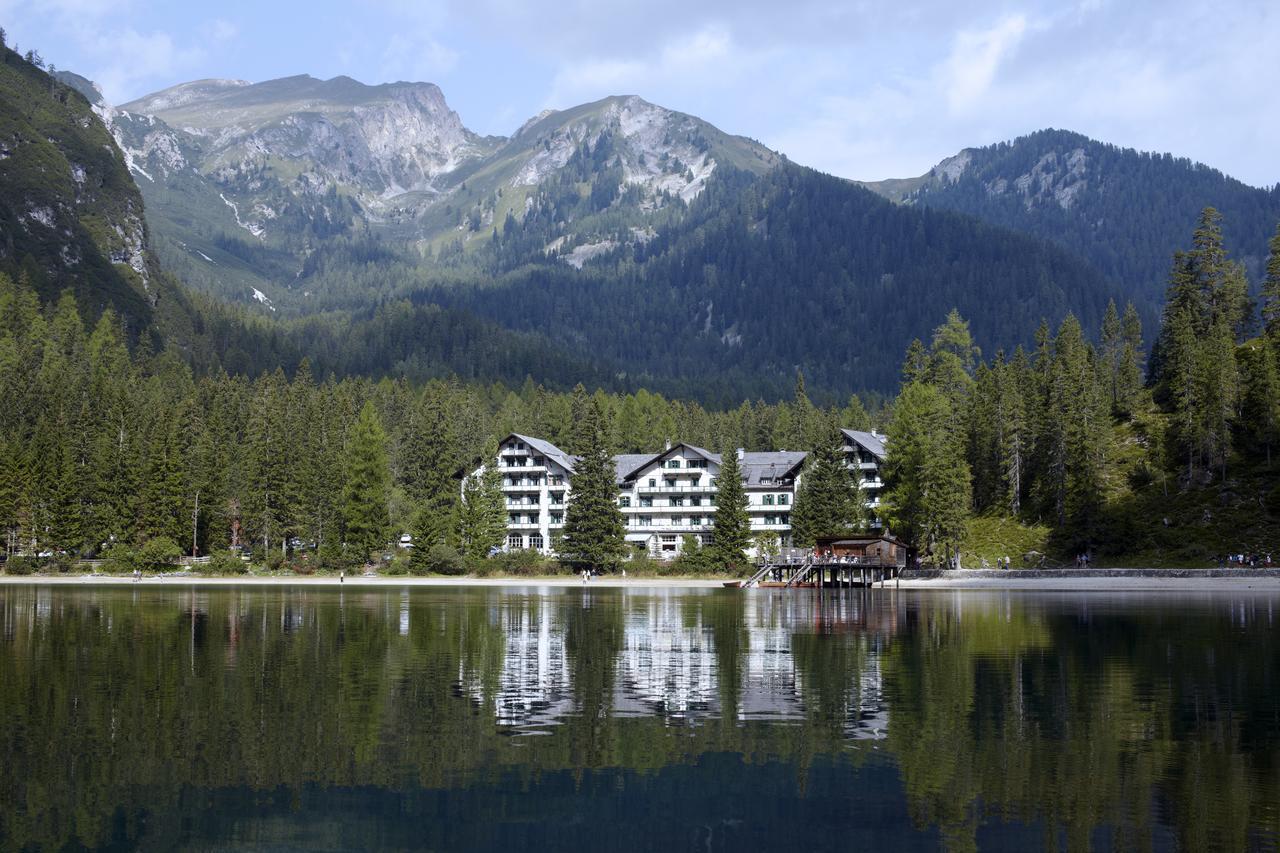 Suedtirol-mit-Kindern.com_Hotel Störes - Hotel Lago di Braies
